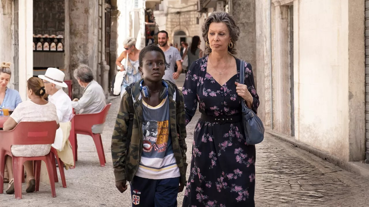 Rosa e Momo Netflix crítica filme