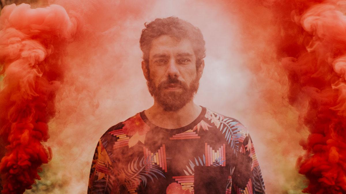 Luca Argel lança álbum contando a história do Brasil
