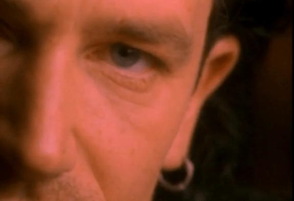 videos-musicales-de-los-90-u2-one