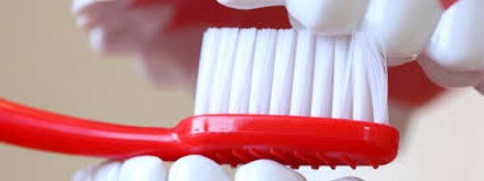 manutenzione protesi dentale