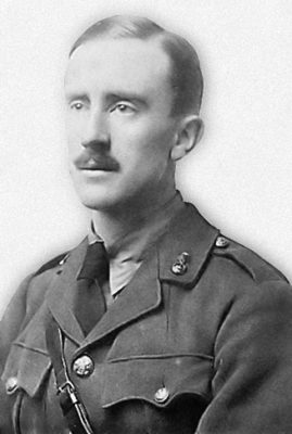 tolkien in uniforme
