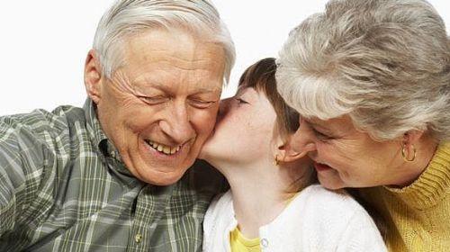 Salute: nonni italiani i più altruisti d'Europa