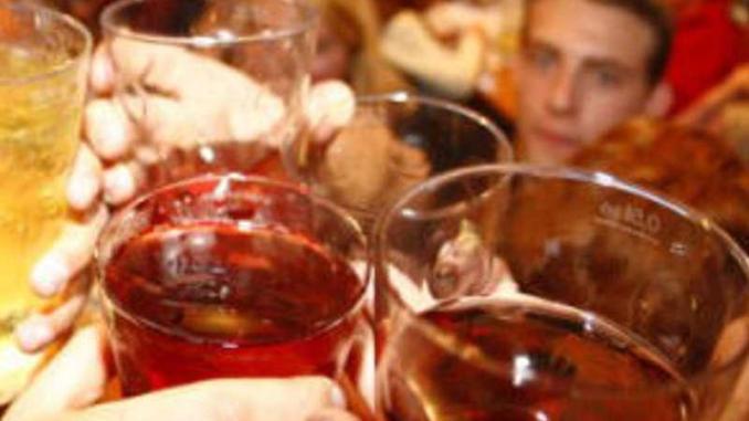 Vendono alcol a minorenni, denuncia i titolari di un altro bar di Orvieto
