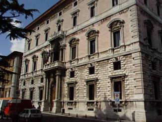 Regione Umbria indice asta pubblica per cinque auto, online bando