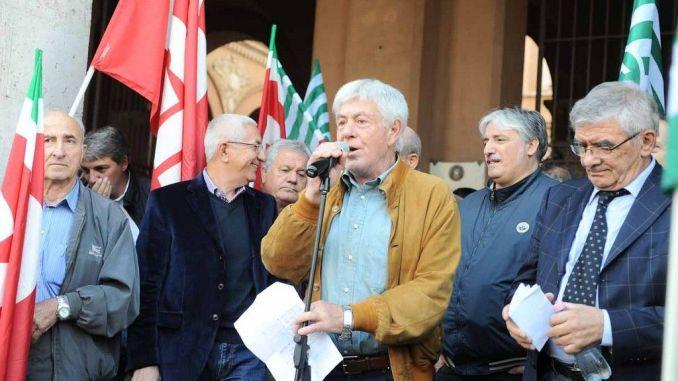 Il governo colpisce le pensioni: il 28 dicembre pensionati in piazza