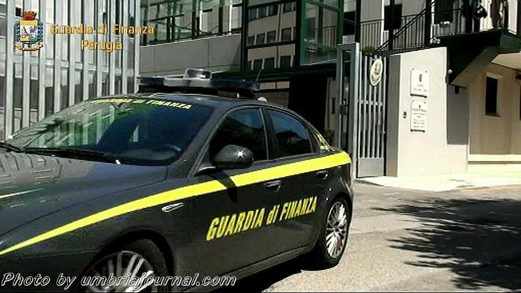 Operazione Guardia di Finanza pelle contraffatti (16)