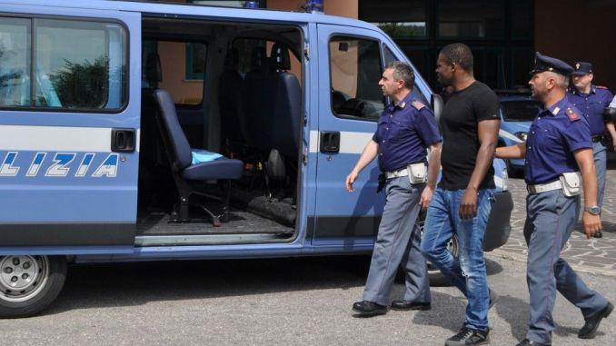 Spacciatore di cocaina rimandato a casa sua in Albania