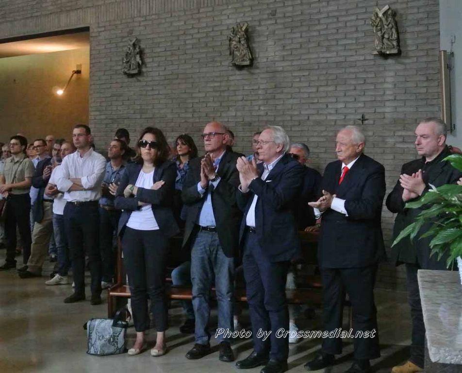Funerali Sergio Piazzoli - con presenza Patrizia Marcagnani (13)
