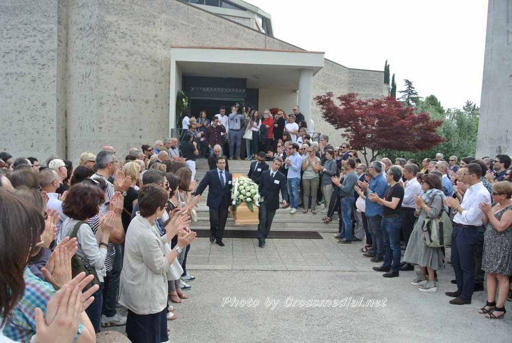 Funerali Sergio Piazzoli - con presenza Patrizia Marcagnani (21)
