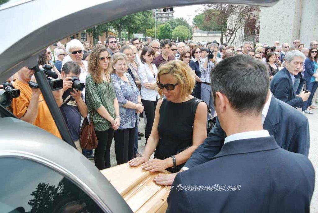 Funerali Sergio Piazzoli - con presenza Patrizia Marcagnani (29)