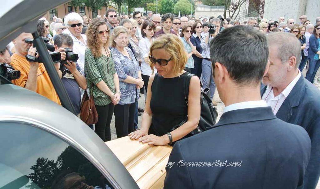 Funerali Sergio Piazzoli - con presenza Patrizia Marcagnani (30)