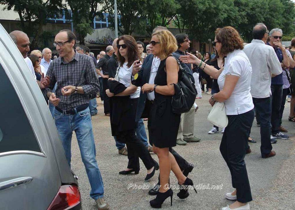 Funerali Sergio Piazzoli - con presenza Patrizia Marcagnani (32)