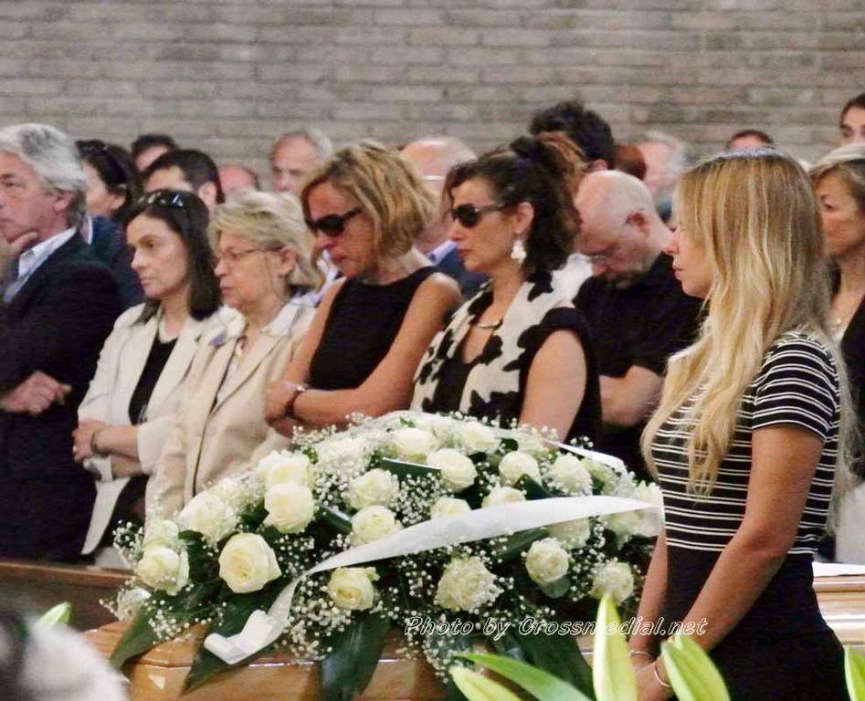 Funerali Sergio Piazzoli - con presenza Patrizia Marcagnani (9)