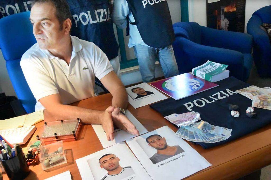 PoliziaARRESTAquattroTUNISINIperugia3