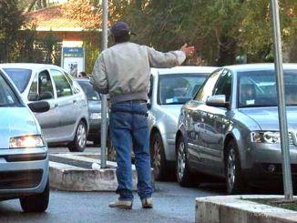 Parcheggiatori abusivi e mendicanti in aumento a Perugia Lega continua battaglia