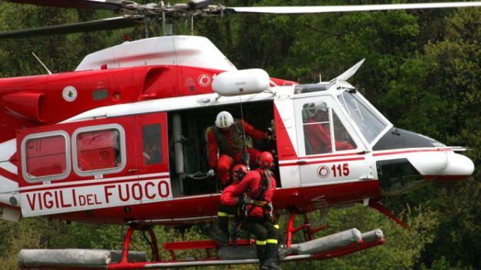 Tre motociclisti dispersi nella notte, soccorsi da elicottero vigili del fuoco