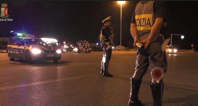 Guidavano ubriachi a Terni, polizia stradale ritira dieci patenti
