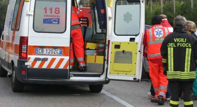 Incidente stradale a Castel Rigone, auto in scarpata, ferite due donne