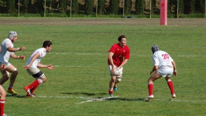 Lorenzo Crotti ritorna al Cus Rugby Perugia. Il giovane, classe 1994 e cresciuto sportivamente nelle fila del settore giovanile biancorosso, ha fatto parte della squadra della Barton nella stagione della vittoria del campionato nazionale di serie B. Successivamente è stato convocato in Accademia a Parma per poi giocare ne L'Aquila (Eccellenza) nel ruolo di ala.