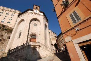 Divertente chiacchierata attorno alla Chiesa diSant'Ercolano @ Perugia