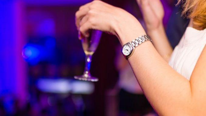 Controllato night club carabinieri scoprono lavoro irregolare per 7 intrattenitrici