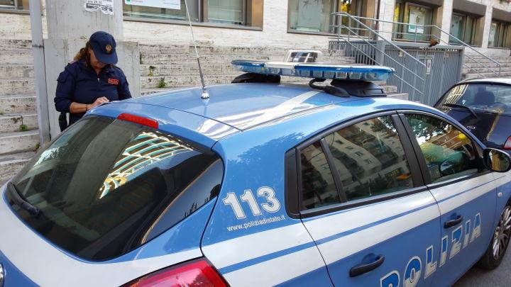 Gira con pistola finta a Fontivegge, arrestato 44enne