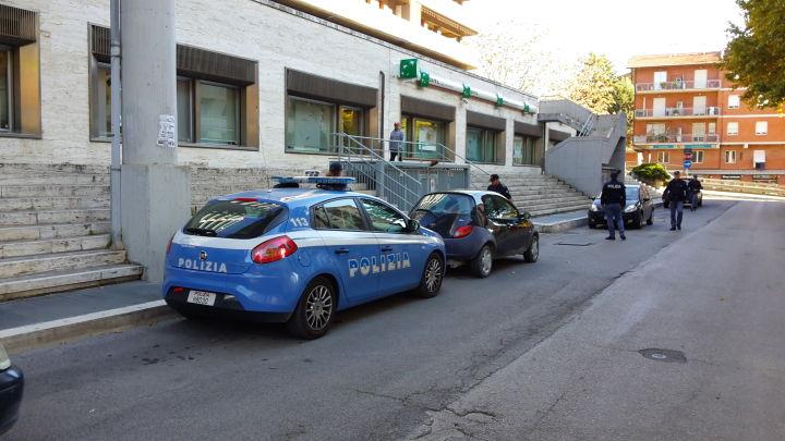 Polzia in Via del Macello a Perugia (3)