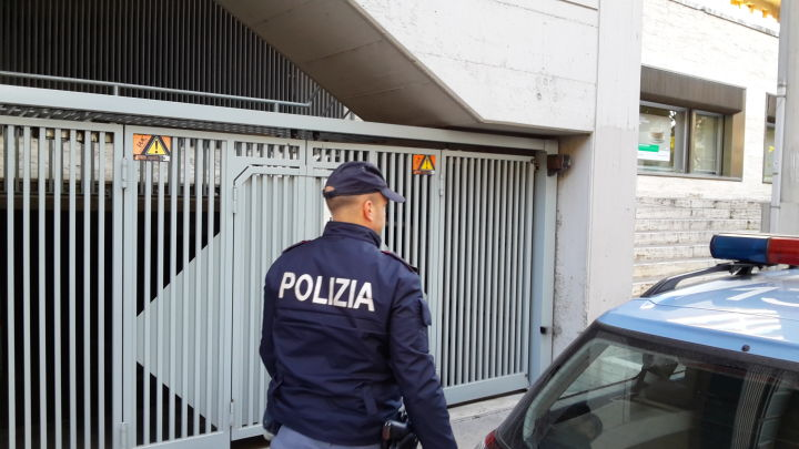 Polzia in Via del Macello a Perugia (6)