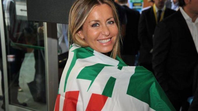 La Deputata Catia Polidori sposa il suo Roberto al Castello di Solfagnano