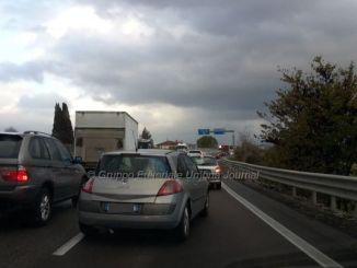 Incidente Collestrada, auto si ribalta, nessun ferito ma traffico rallentato