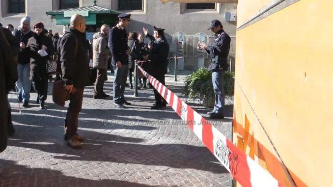 Falso allarme bomba in centro a Perugia, evacuati tribunale e poste