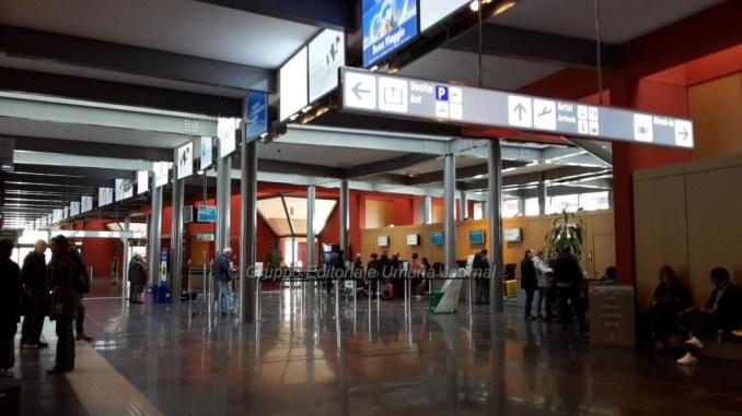 Ryanair, Aeroporto San Francesco, cancellato il volo da e per Londra