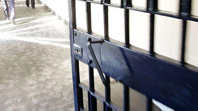 Romeno tenta di dare fuoco alla cella nel carcere di Terni