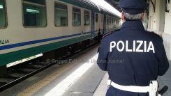 Senza benzina lascia l'auto vicino ai binari, denunciato da Polfer Perugia