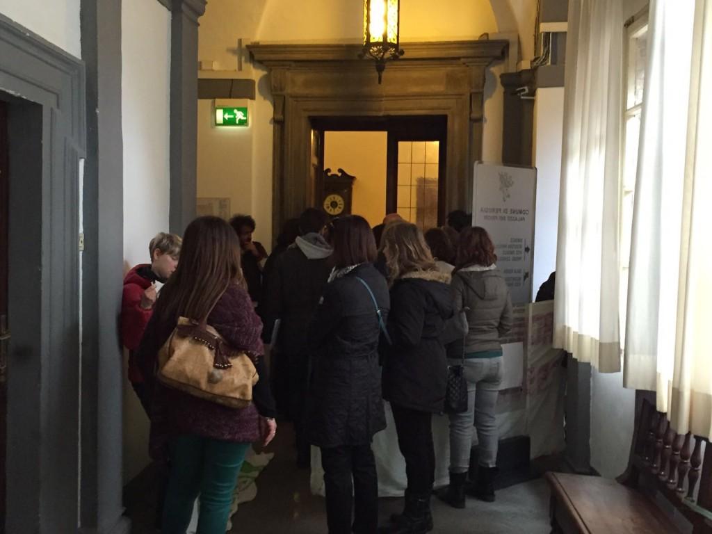 protesta-educatrici-palazzo-priori (2)