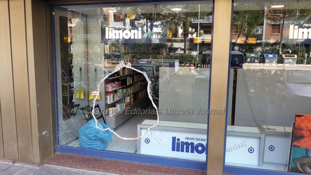spaccata-limoni-via-luigi-rizzo-6marzo2016 (6)