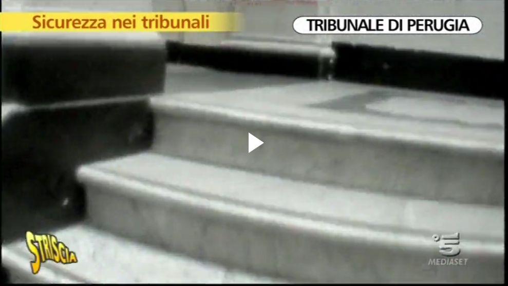 tribunale-perugia-striscia3