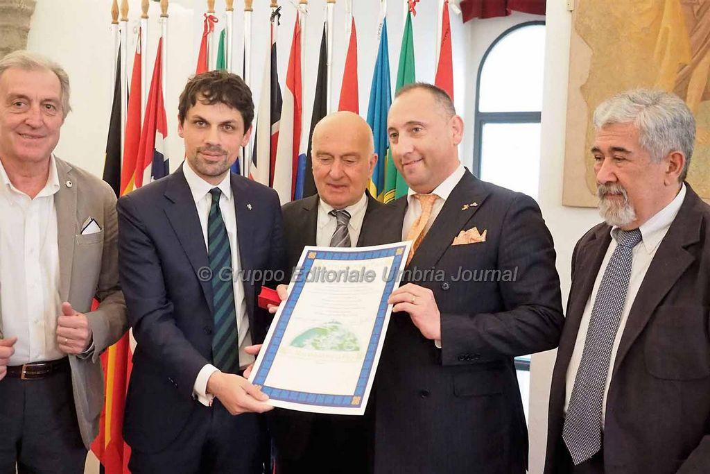 Andrea Romizi nominato Cavaliere della Pace