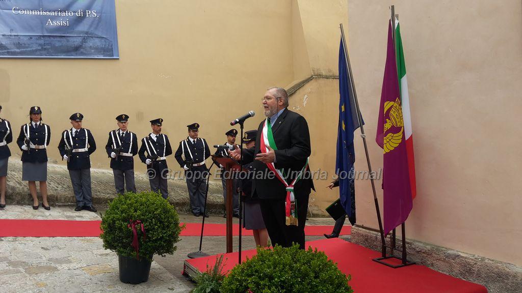 intitolazione-Emanuele Petri-commissariato assisi (11)