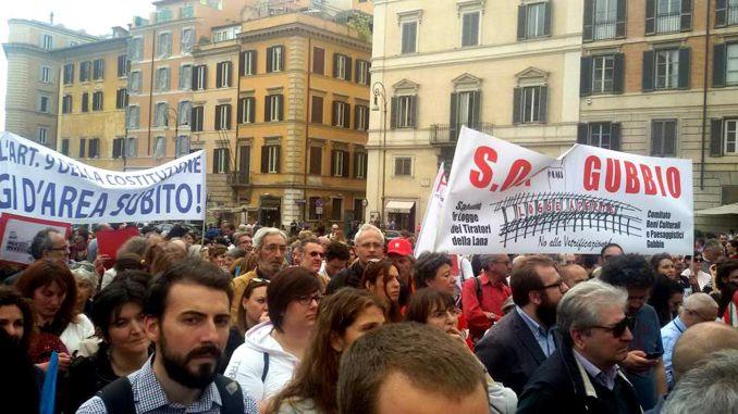 In piazza a Roma per Le logge dei Tiratori e cultura, Gubbio si fa sentire
