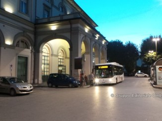 Ruba duemila euro da biglietteria stazione, straniero finisce in carcere