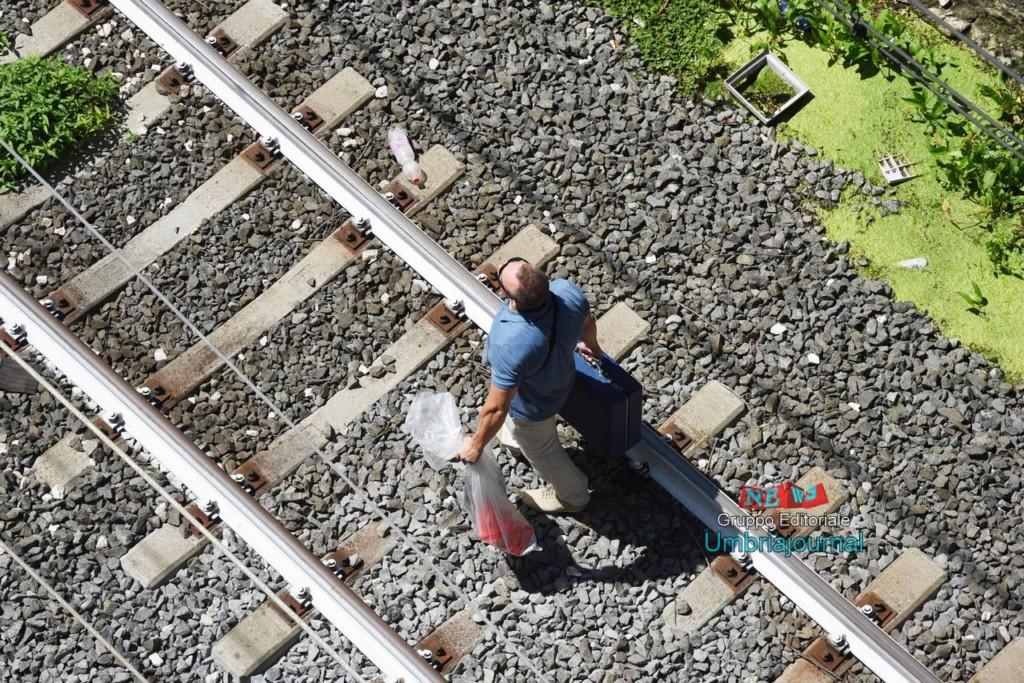 morto-sotot-a-un-treno (12)