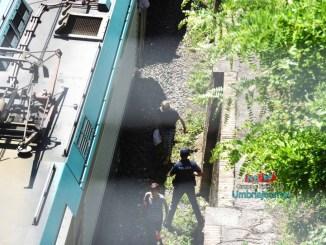 Tragedia a Perugia, travolto e ucciso dal treno in corsa [FOTO]