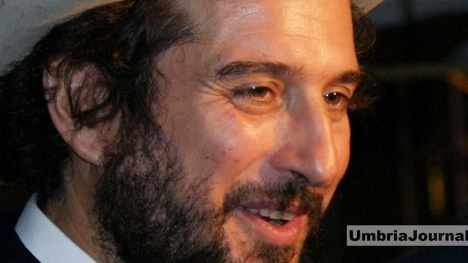 """Vinicio Capossela ai Giardini del Frontone di Perugia con """"Polvere"""""""