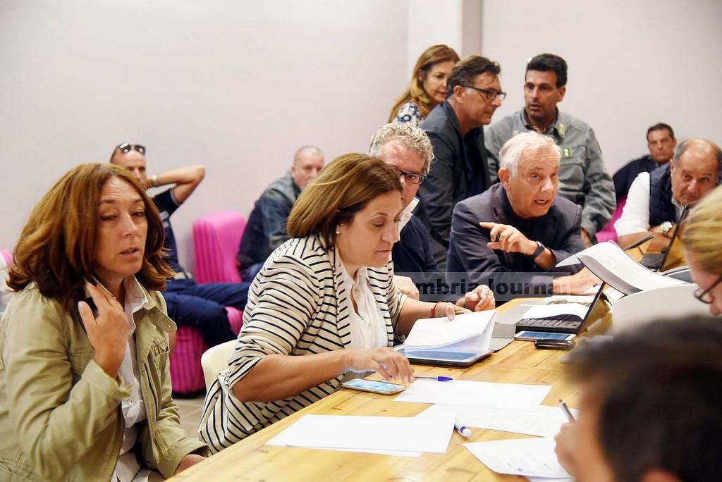 Terremoto2016-SOPRALUOGO-MARINI.E.ALEMANNO-SINDACO-NORCIA-AGB_7698