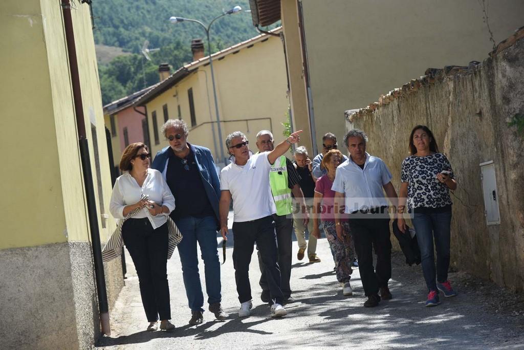 Terremoto2016-SOPRALUOGO-MARINI.E.ALEMANNO-SINDACO-NORCIA-AGB_8039