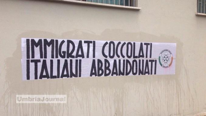 CasaPound Perugia, sindaci umbri contro rifugiati, Romizi in silenzio
