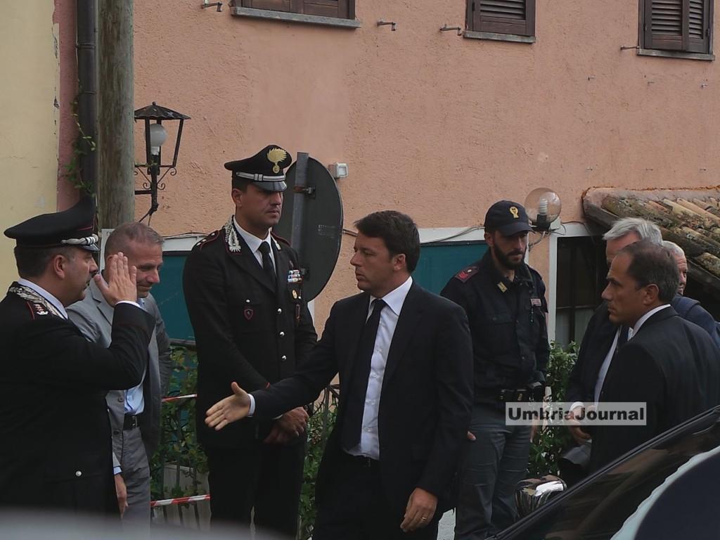 visita-matteo-renzi-norcia-san-pellegrino (1)