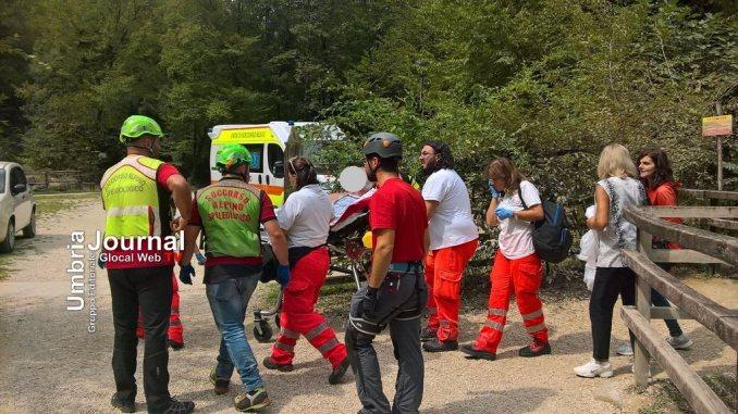 Escursionista si sente male alla cascata delle Marmore, salvato da Soccorso Alpino
