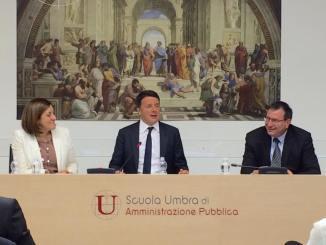 Matteo Renzi visita a sorpresa a Villa Umbra, ha incontrato i sindaci umbri